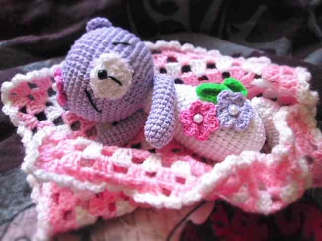Sleeping teddy bear crochet pattern - free