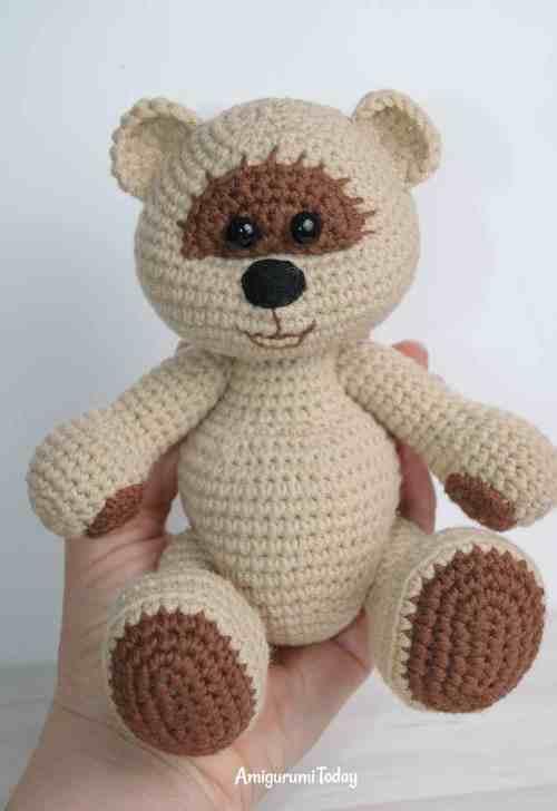 Honey teddy bear boy - free crochet pattern