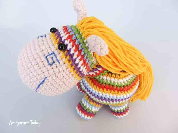 Free rainbow pony amigurumi pattern