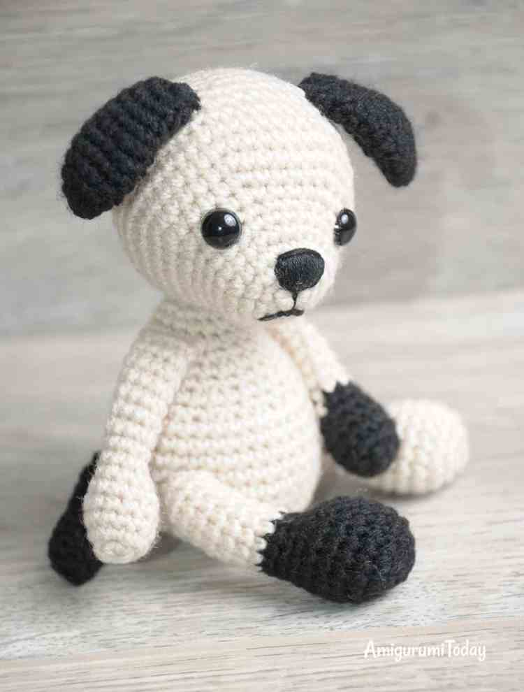 Amigurumi Tommy the Dog crochet pattern