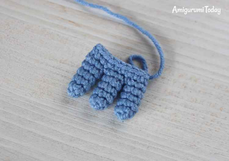 Crochet Smurf pattern - fingers