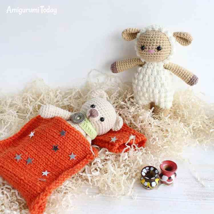 Cuddle Me Bear with Sheep - Free amigurumi patterns by Amigurumi Today