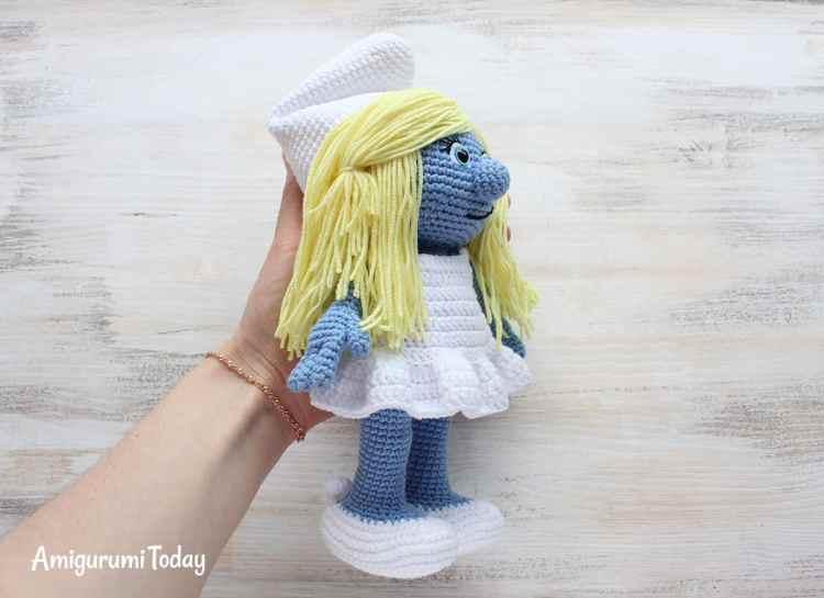 Amigurumi Smurfette - Free crochet pattern