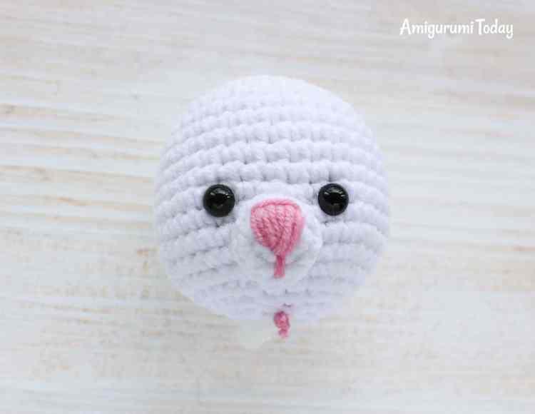 Cuddle Me Bunny amigurumi pattern - muzzle