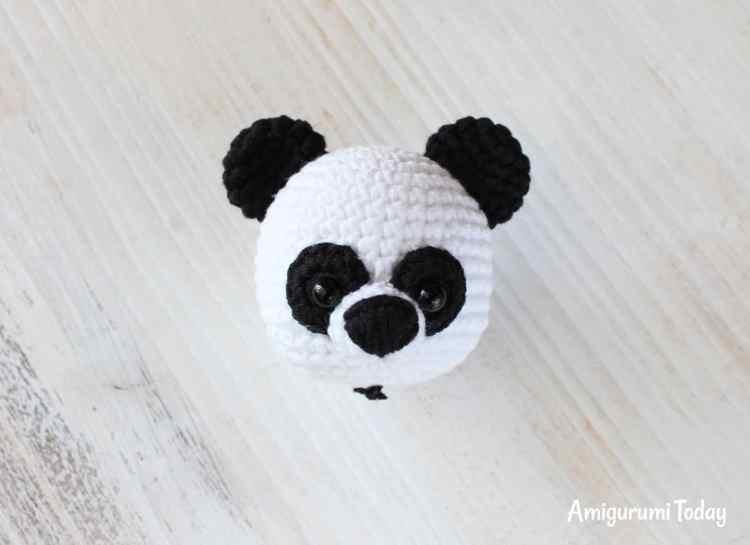 Cuddle Me Panda amigurumi pattern - muzzle