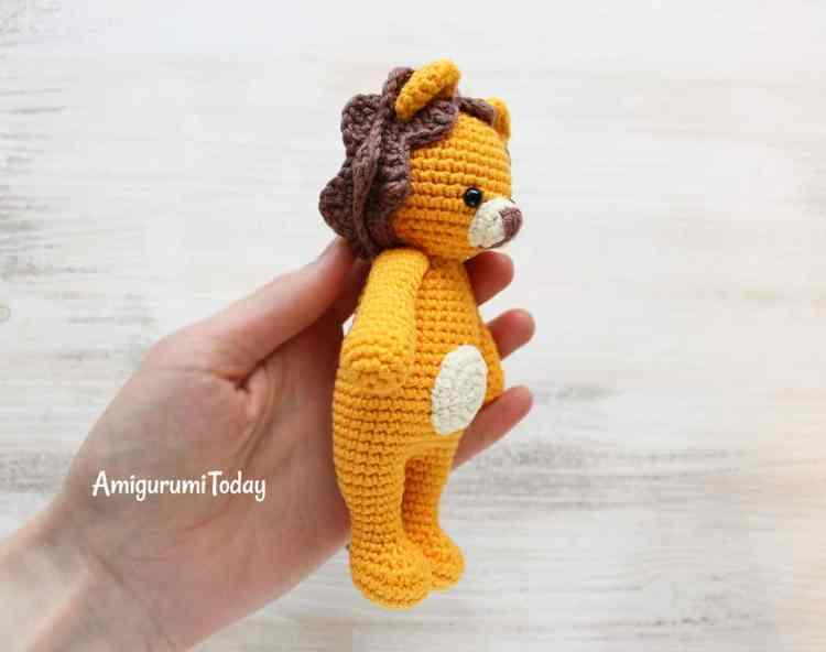 Free Cuddle Me Lion amigurumi pattern