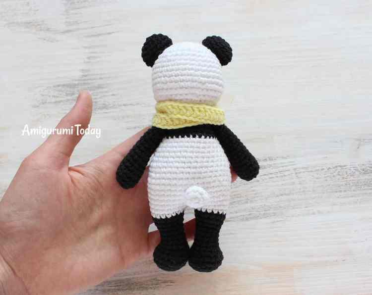 Free Cuddle Me Panda amigurumi pattern