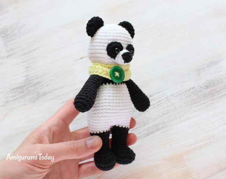 Free Cuddle Me Panda crochet pattern