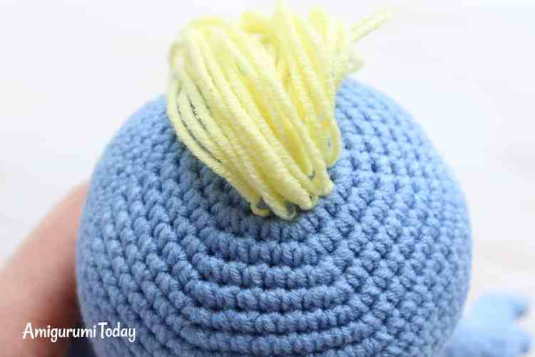 Free Smurfette amigurumi pattern - making hair