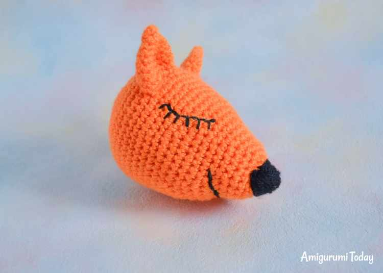 Sleeping fox amigurumi crochet pattern