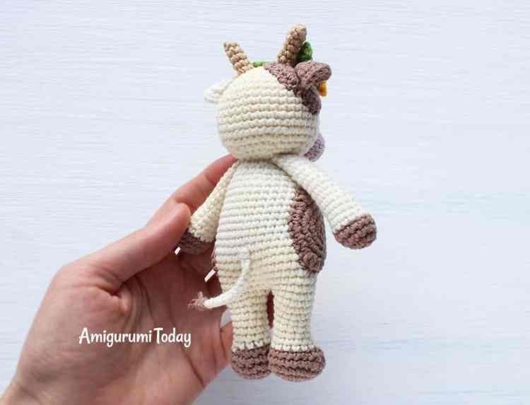 Cuddle Me Cow - Free crochet pattern