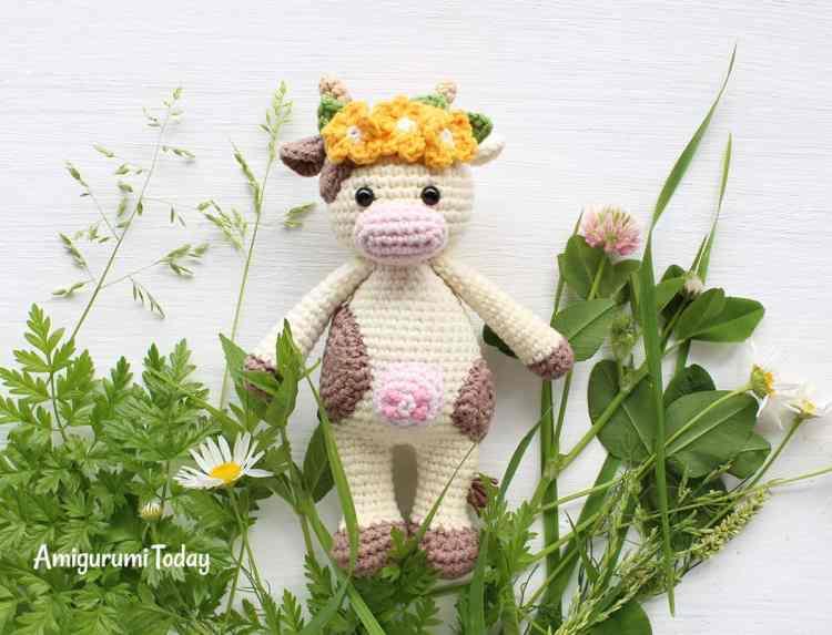 Cuddle Me Cow crochet pattern