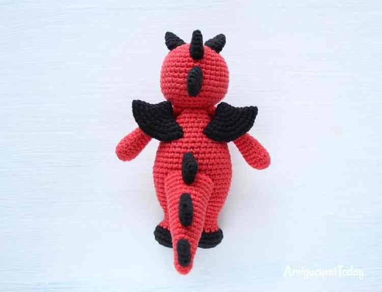 Cuddle Me Dragon - Free amigurumi pattern