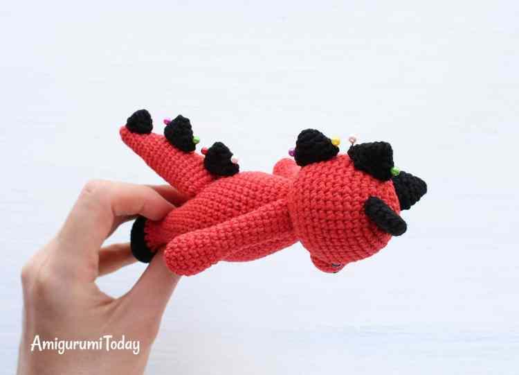 Cuddle Me Dragon amigurumi pattern - assembly