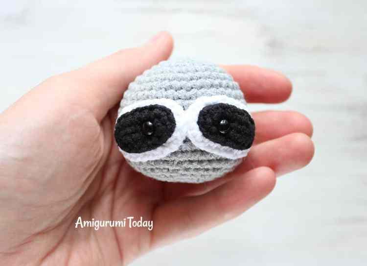 Cuddle Me Raccoon amigurumi pattern - muzzle
