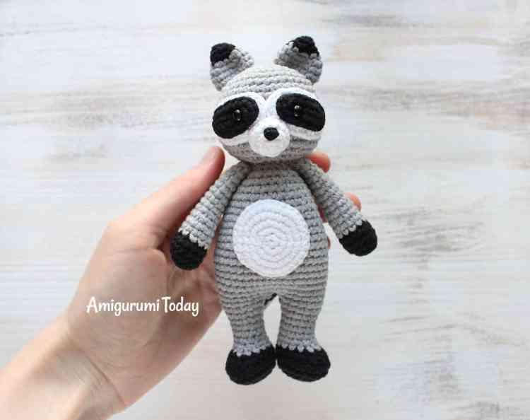 Cuddle Me Raccoon amigurumi pattern