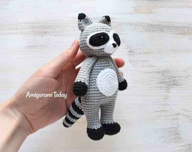 Free Cuddle Me Raccoon amigurumi pattern