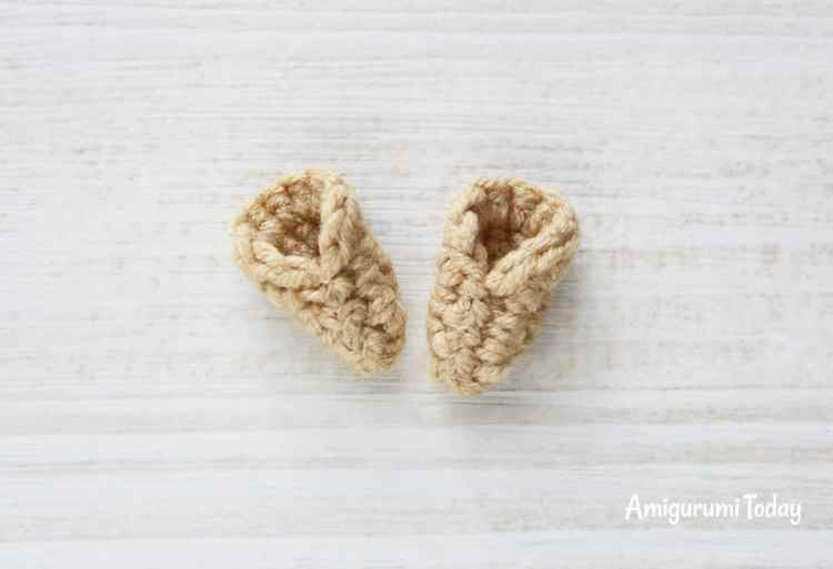 Cuddle Me Pony amigurumi pattern - ears