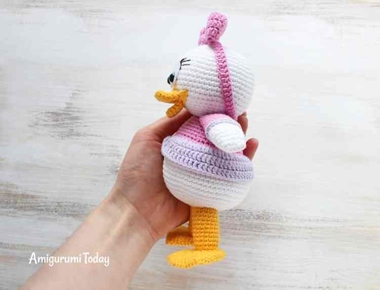 Webby Duck amigurumi pattern by Amigurumi Today