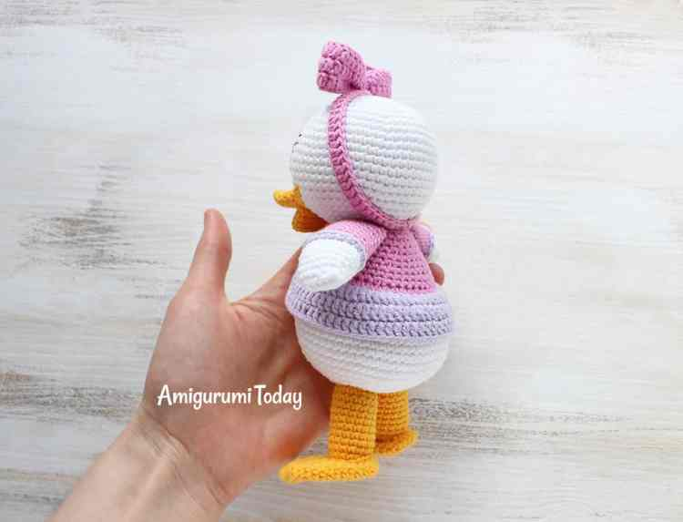 Webby Duck pattern by Amigurumi Today