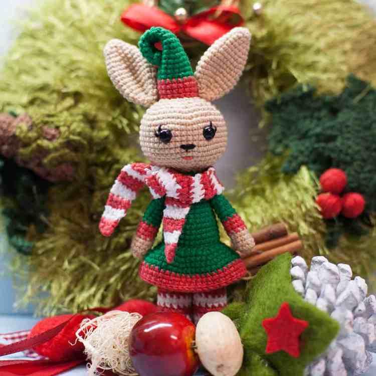 Amigurumi Christmas Bunny - Free crochet pattern