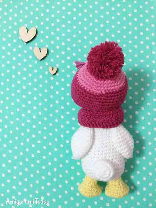 Amigurumi duckling crochet pattern by Amigurumi Today