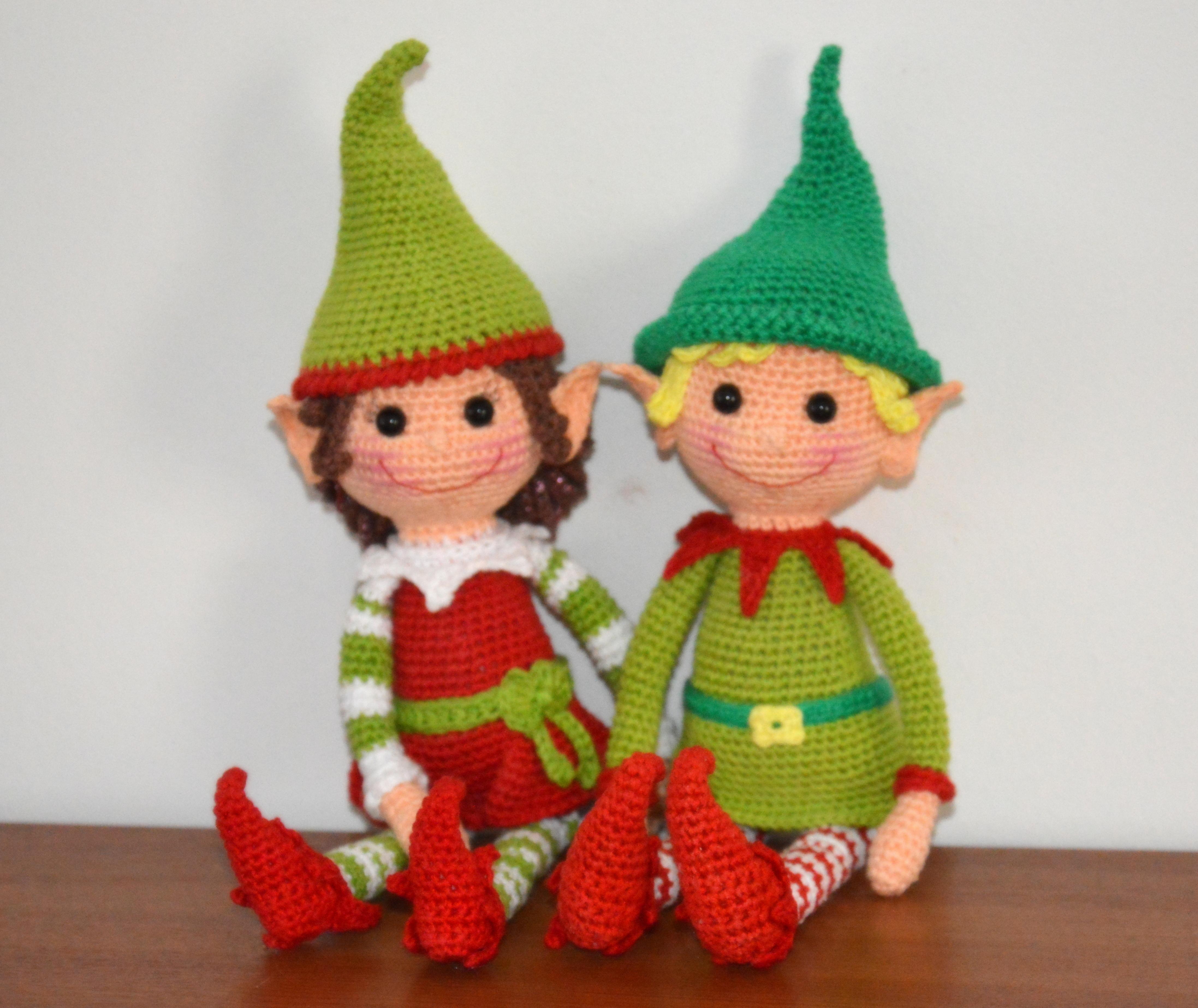 Heart & Sew: Christmas Elf - Free Crochet / Amigurumi Pattern | 3694x4389