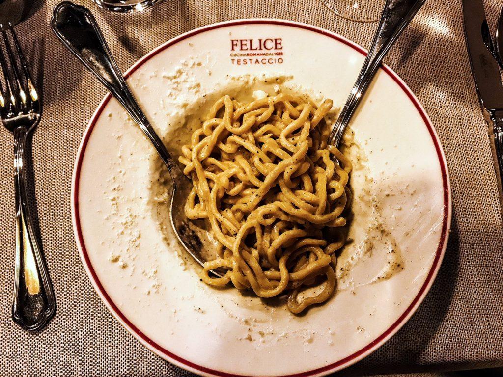 Dove mangiare i migliori piatti di cucina romana a Milano   A Milano Puoi