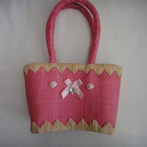 Pink panier little girl