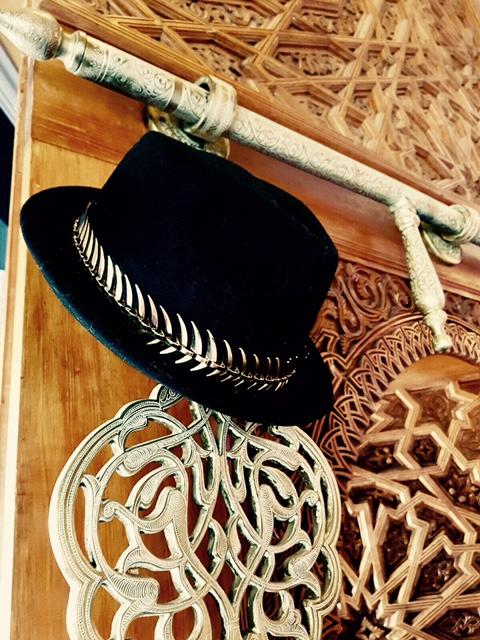 Felt hat and gilts