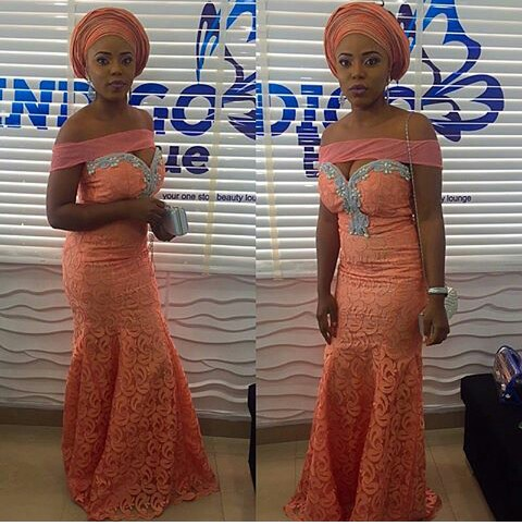 Latest Lace And Ankara Aso Ebi Styles amillionstyles @xo_jokee