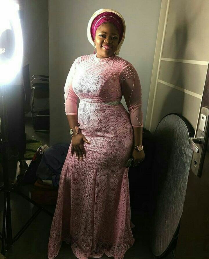 10 Breath Taking Asoebi Styles You Should Rock-amillionstyles