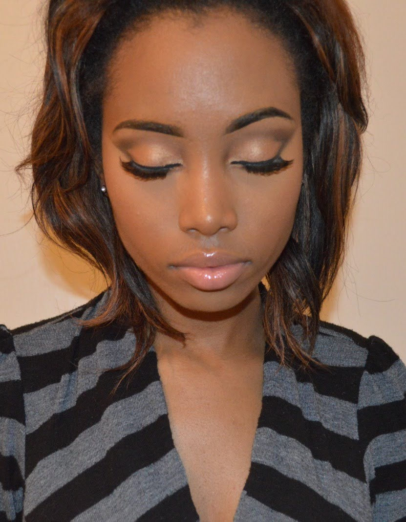 Want That Natural Makeup Look? Watch How To Do It Here