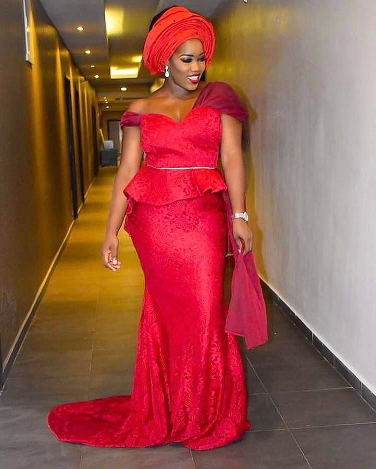We Got Hooked On These Magnificent Asoebi Attires