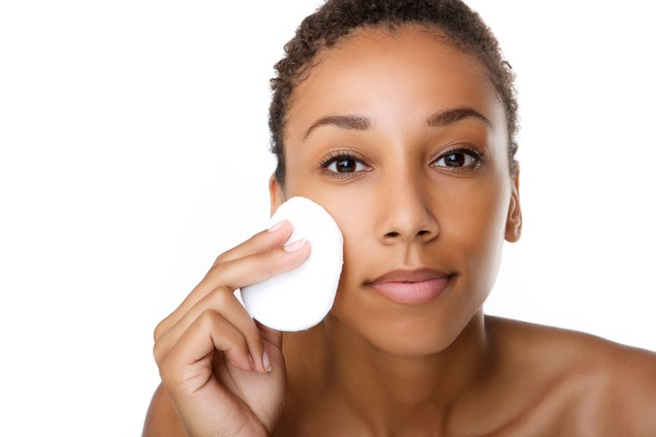 Skin Care: 5 Reasons Why Sleeping With A Full Face Make Up Is A No