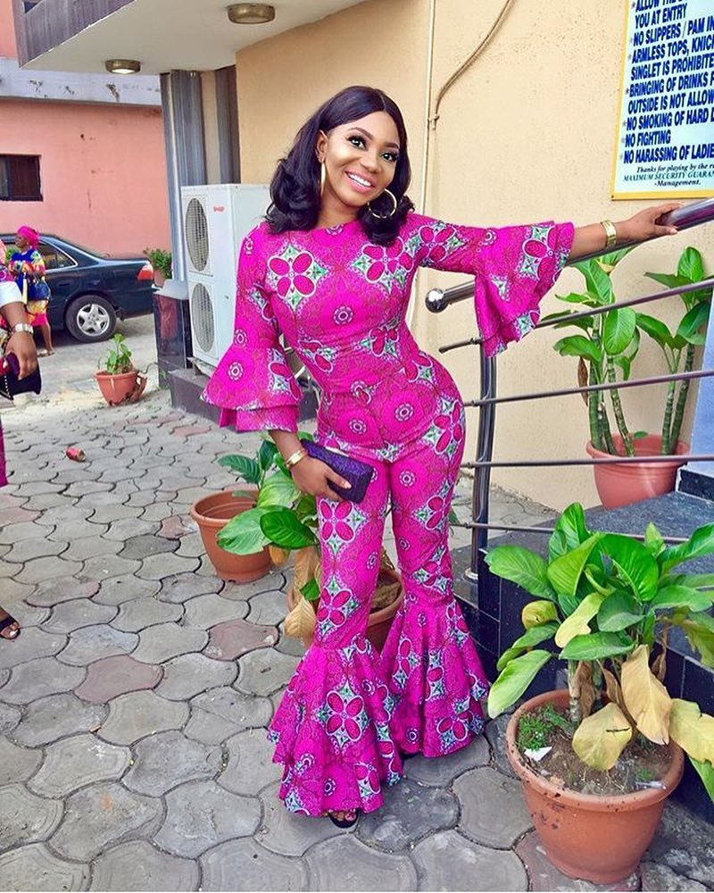 Sepesepe Figure 8 Ladies in Enchanting Latest Ankara Styles