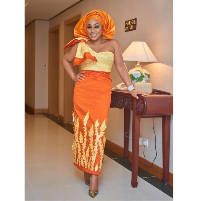 Update Your Fashion Game With Standout Asoebi Styles