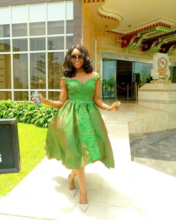 Green Lace Asoebi Styles To Honour Nigeria's 57th Independence!