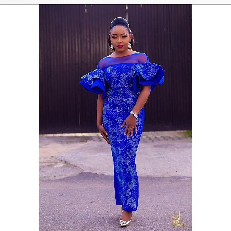 Beautifully Blinged Out Stoned Asoebi Styles