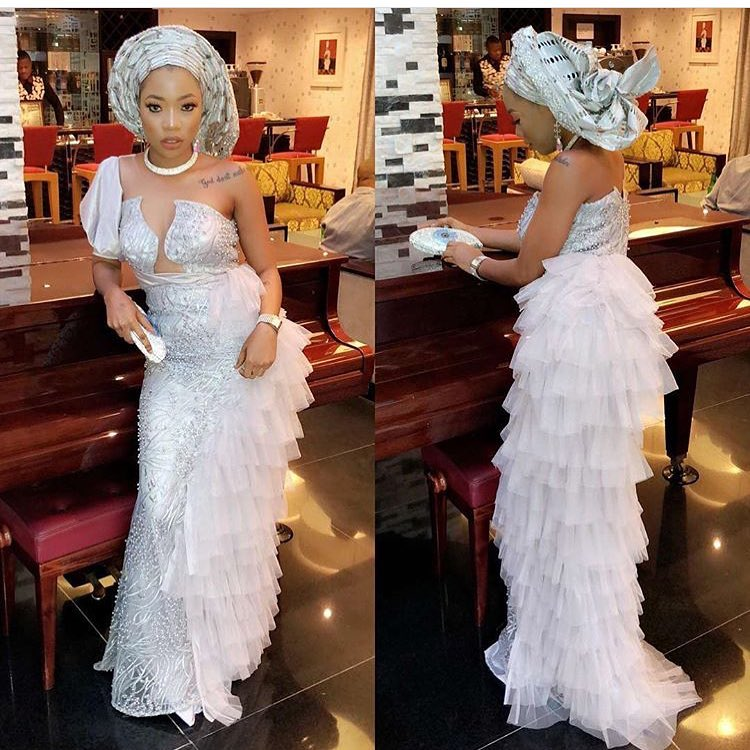 Be The First To See The Trending Aso Ebi styles Of 2018