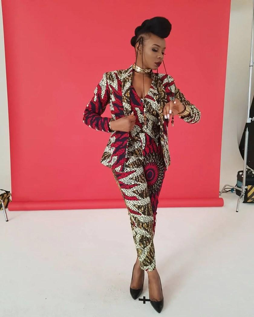 Starting Off 2018 In Stylish Ankara Styles