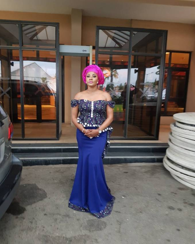 Hot And Fab Aso Ebi Styles To Inspire Your Owambe Weekend