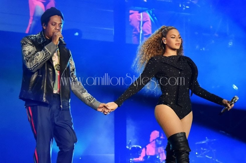 Beyoncé's Outfits From The On The Run Tour 11