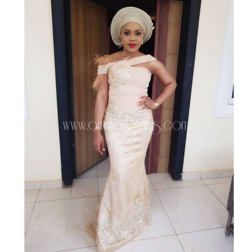 Fabulousity Is The Best Term For These 11 Trendy Lace Asoebi Styles