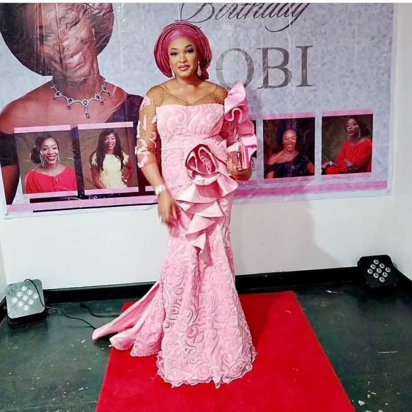 Fabulous Asoebi Styles Ideas For Older, Mature Women Lookbook 2