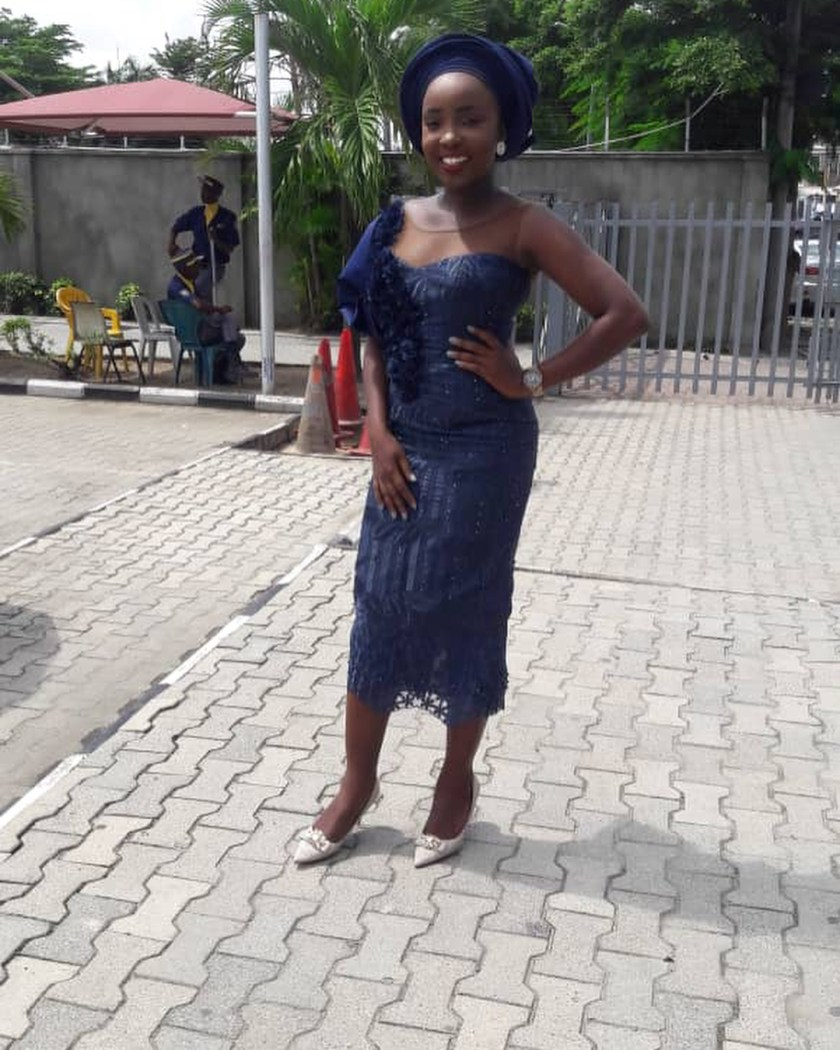 Start The Week With Fantastic Lace Asoebi Styles