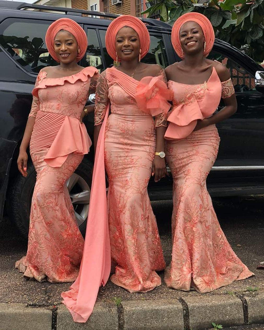 We Guarantee That You'll Find These Lace Asoebi Dresses Interesting