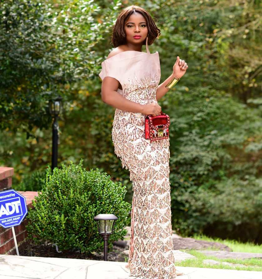 These Lace Asoebi Styles Are Fashion Goals