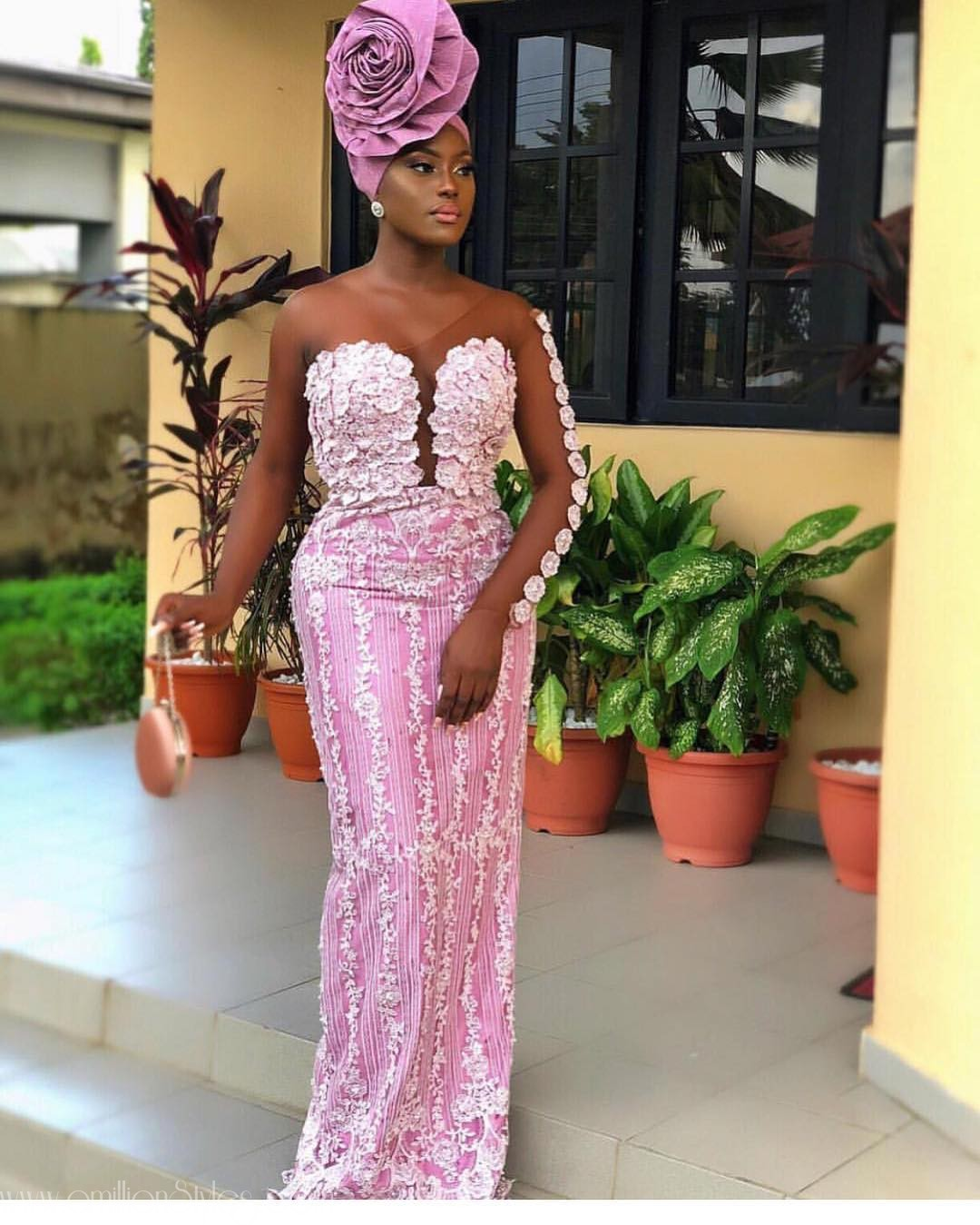 Our Breaths Caught At The Sight Of These Scintillating Lace Asoebi Styles