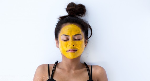Use This Turmeric Recipe For A Glowing Face
